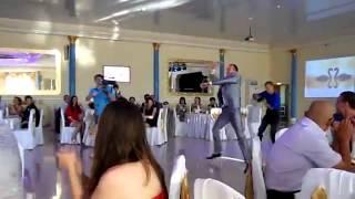 Невероятно красивый свадебный танец современный свадебный танец жениха и невесты
