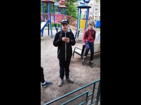 Подростки бьют стекла и разрушают бывшее здание ПТУ в Подольске