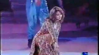 Madhuri Dixit Live Dance on Filmfare.