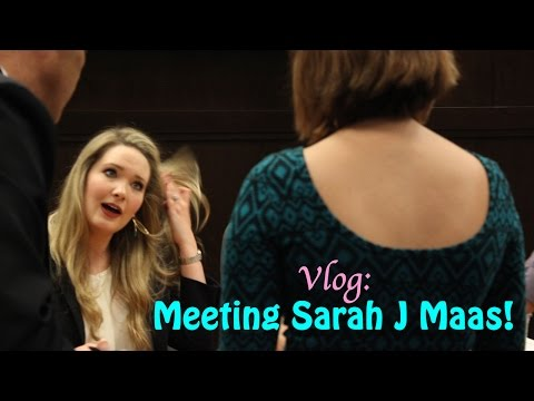 VLOG | Meeting Sarah J Maas!