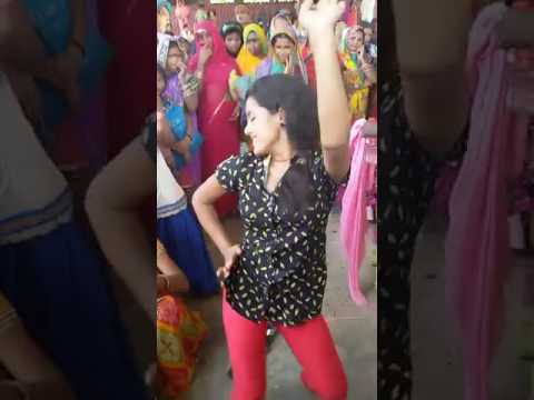 Sona singh live dance With villege girls in buxar