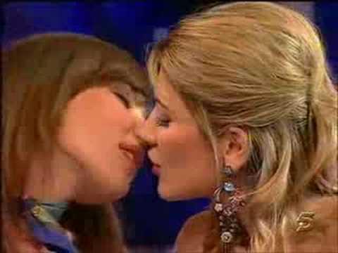 Lesbian Kissing Videos Youtube