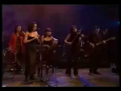 The Corrs & The Chieftains_Toss The Feathers (The Gathering)