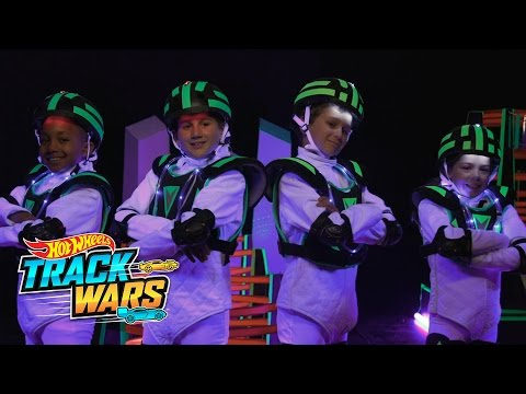 Laser Battle  Track Wars  Hot Wheels
