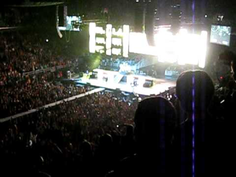 Concert at Greensboro Coliseum 030.AVI