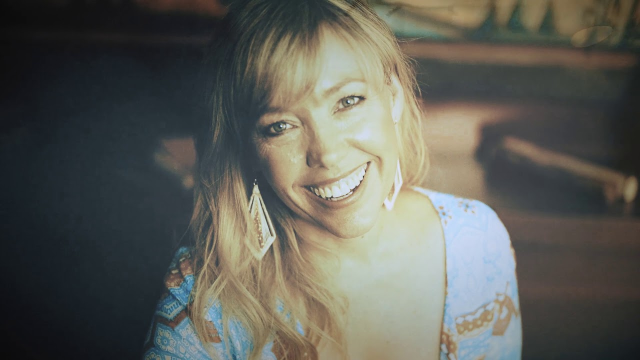 felicity urquhart - photo #6