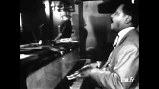 Trudy Peters with the Bud Powell trio - I Cover the Waterfront live 1960