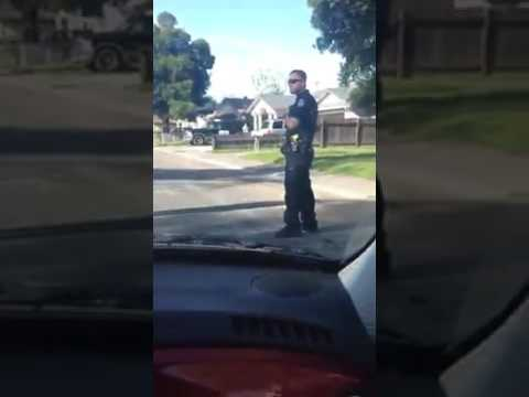 POLICE BRUTALITY - SACRAMENTO POLICE OFFICER BEATS AND ARREST MAN FOR ALLEGEDLY JAYWALKING