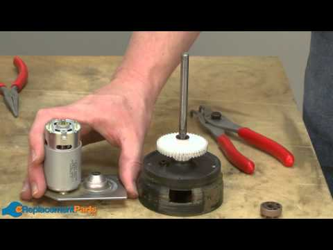 How to Replace the Spindle Shaft Assembly on a Black and Decker CST1200 String Trimmer (90522788SV)