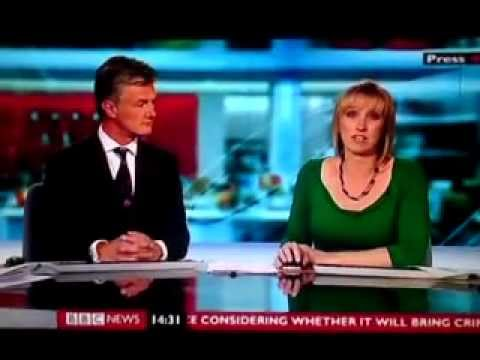 Martine Croxall | BBC News 24 | 020712 | Cleavage