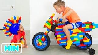 व्लाड और निकिता ने टॉय स्पोर्टबाइक पर सवारी की