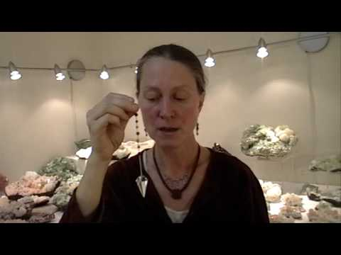 Quartz Crystal Pendulum - How to use a pendulum
