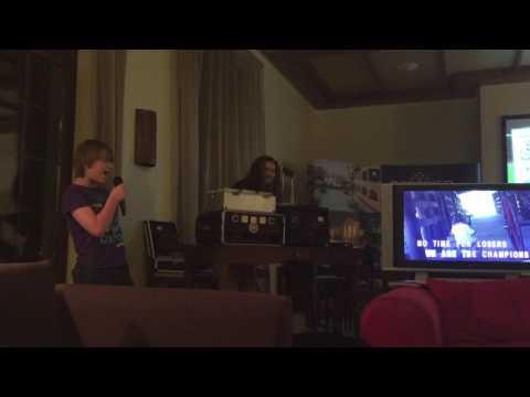 Riley, karaoke, Algarve 2015
