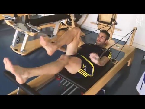 Pilates session - Extra training Robin van Persie