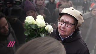 Фото «Хоть домой отпустили». Бабушка Владимира Емельянова о приговоре внуку.