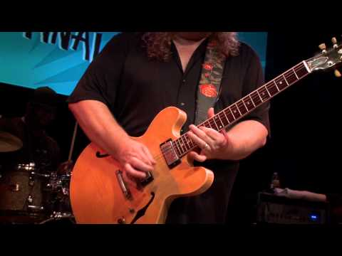 "Warren Haynes ""River's Gonna Rise"" - Guitar Center's King of the Blues 2011"