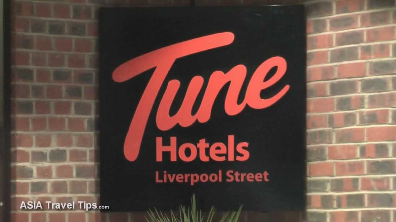 Tune Hotel Liverpool Street London Double Room with Window - HD