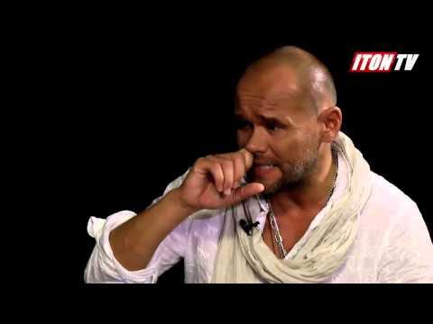 Максим Аверин: - Я живу с широко раскрытыми руками.