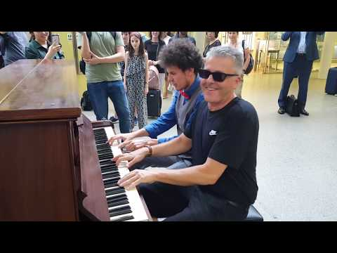 """GREENSLEEVES"" FUNKY PIANO VERSION – THOMAS KRÜGER & BRENDAN KAVANAGH AT ST. PANCRAS IN LONDON"