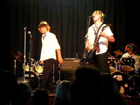 Iain Parris, Matt Holloway + Ralph Morgan - Use Somebody