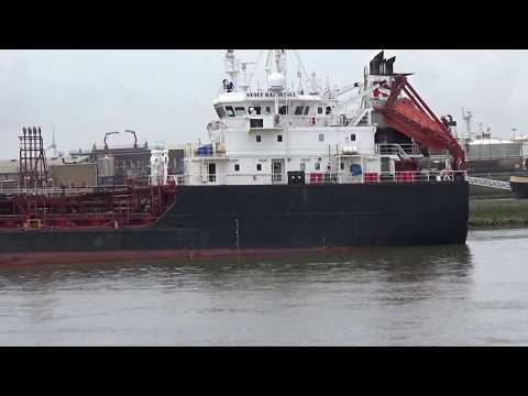 THIALF Heerema deepwater construction vessel