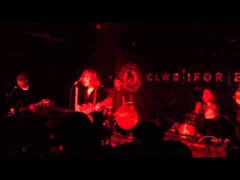 Race Horses - Mates (live @ Clwb Ifor Bach)