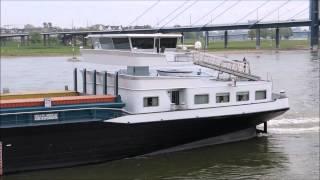 Mejana läuft in Hafen ein