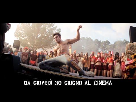 """CATTIVI VICINI 2 con Zac Efron - Spot italiano """"Ballando"""""""