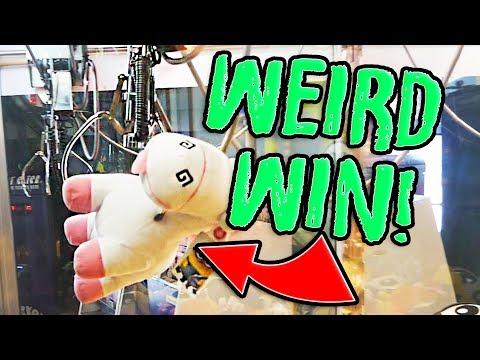 WEIRDEST CLAW MACHINE WIN! || Arcade Games