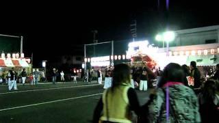 平成23年10月9日に開催された、だんじり祭り(2)の模様です。 途中で...