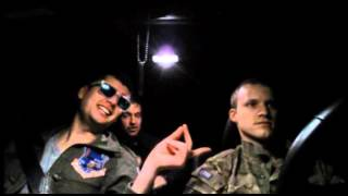 Soldiers sing Barbie Girl extrem funny