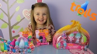 Trolls Blind Bags and Poppy Fashion Frenzy Playset Unboxing.