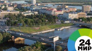 Реконструированный мост в Омске испытали гружеными КамАЗами - МИР 24