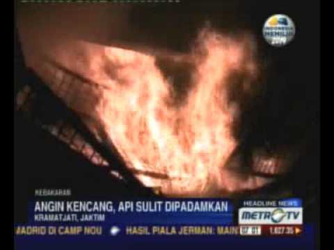 Puluhan Kios di Pasar Induk Kramatjati Ludes Terbakar Mp3