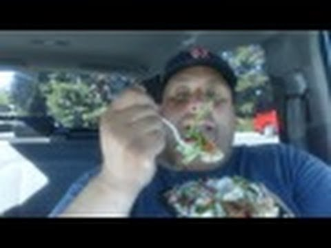 Wendy's® Strawberry Fields Chicken Salad REVIEW!