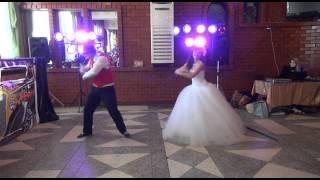 Первый танец на гангстерской свадьбе. Ведущая Нина Коробова. Сааратов