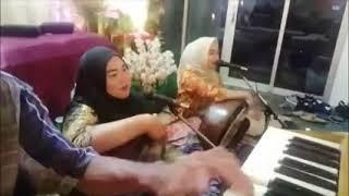 Bermukun di Kampung Assakirin Bintulu