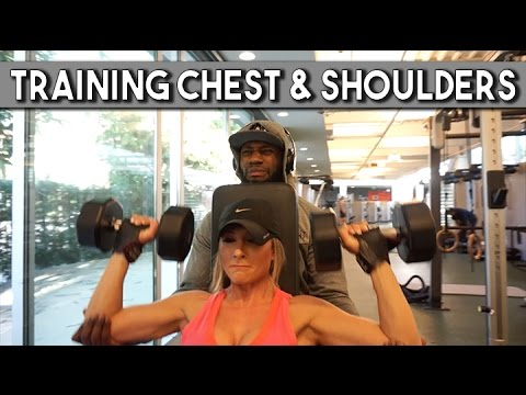 TRAINING CHEST AND SHOULDERS