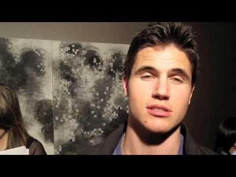 ROBBIE AMELL: Hilarious Interview...Valentine's Day & All His SCARS!
