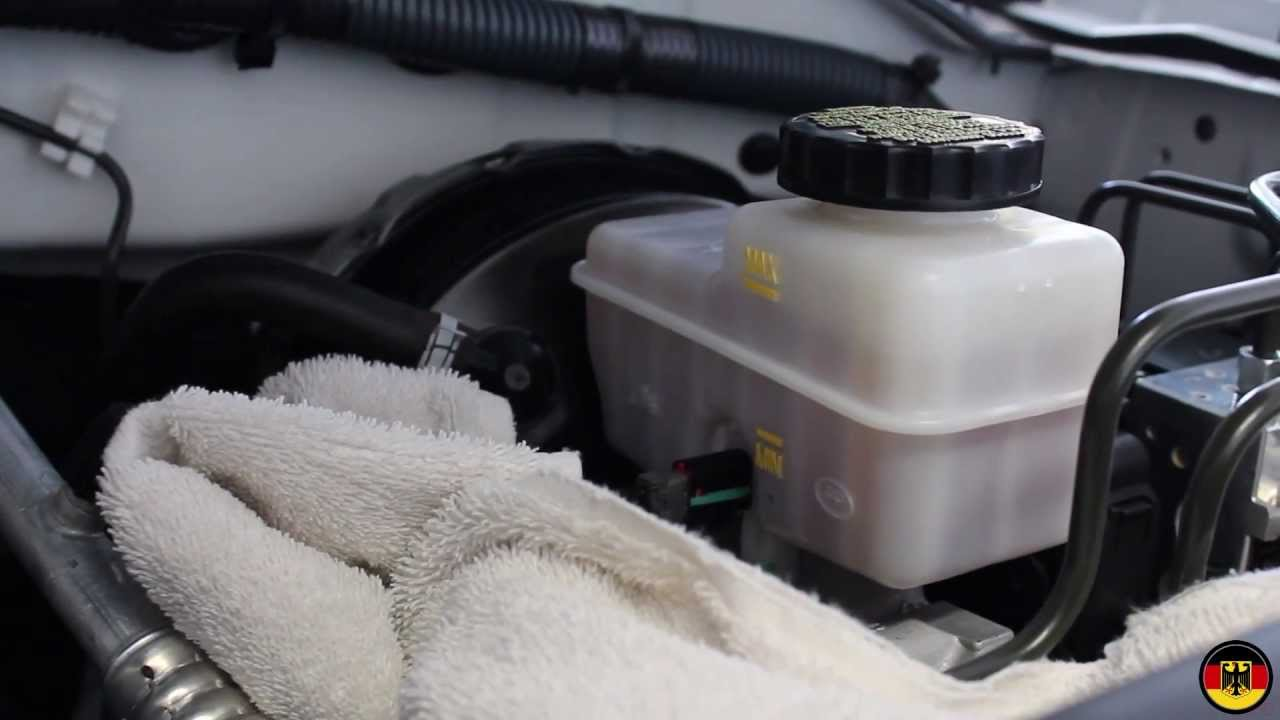 nissan sentra brake fluid change