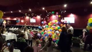 видео Шар сюрприз на праздник
