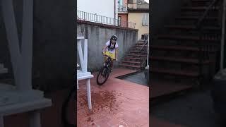 Scale in bici