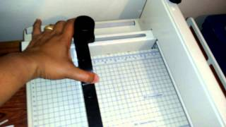 Review and demonstration of Heavy duty paper cutter - cuts over 400 sheets of paper