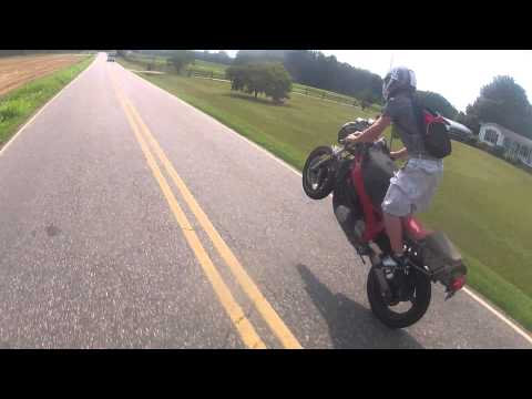 Yamaha FZR600 Stand Up Wheelie