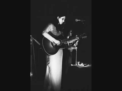 chelsea-wolfe-lone-lyric-video-lisajaye