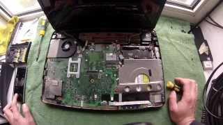 Как разобрать, и заменить термопасту в ноутбуке Toshiba Satellite R500(00:05 обзор ноутбука Toshiba Satellite R500 00:30 снять батарею 00:51 снимаем крышки винчестера 01:30 снимаем винчестер 02:30..., 2014-08-29T14:24:42.000Z)