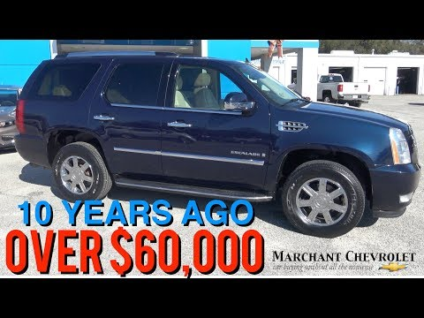 Here's a Tour of this $60,000 2007 Cadillac Escalade AWD - 10 Years Later Review