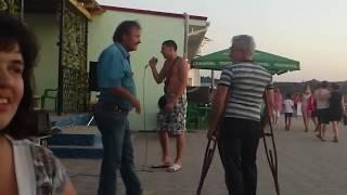 Download Парень суперски поёт широка река (смотреть со 2-й минуты) Mp3 and Videos