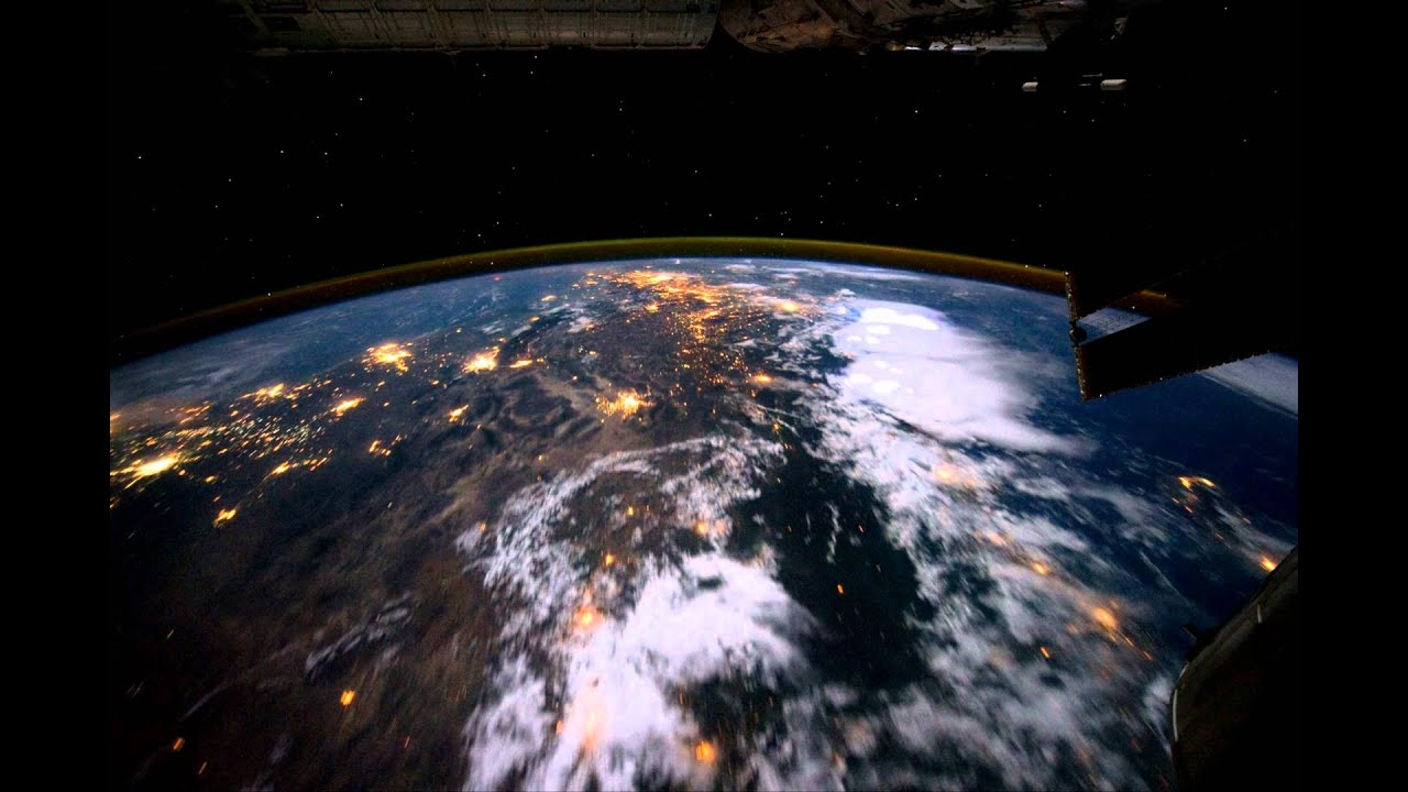 What does it feel like to fly over planet Earth? - YouTube