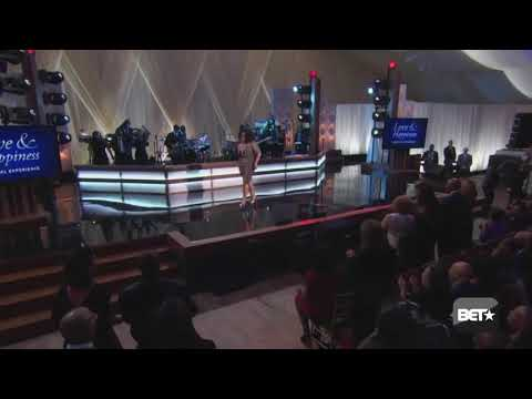 """Jill Scott """"Golden"""" Live at President Obama's 'Love and Happiness' tribute"""